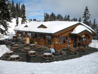 Práce v lyžařském středisku v Kanadě
